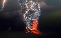 Chùm ảnh khiến bạn ngỡ ngàng vì vẻ đẹp khi núi lửa và giông sét xảy ra cùng lúc
