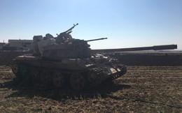 """Phiến quân Syria """"độ chế"""" trọng liên điều khiển từ xa cho xe tăng T-55"""