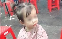 Bé gái 2 tuổi mất tích bí ẩn khi đứng chơi trước nhà