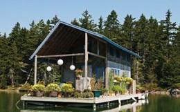 """Dành 10 năm xây """"túp lều tranh"""" nổi trên mặt nước, cặp vợ chồng định cho thuê nhưng vì nhà xinh quá nên đổi ý dọn vào sống"""