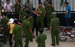 Nhóm người tấn công kiểm sát viên, phóng viên ngay tại tòa
