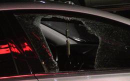 Liều lĩnh đập cửa kính ô tô trong siêu thị, trộm tài sản ngay trước camera