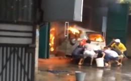 """Sự thật clip """"cúng xe mới rồi lỡ tay làm cháy luôn xe"""" ở Hải Phòng đang được lan truyền trên MXH"""