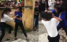 Công an đến can ngăn 2 nữ sinh đánh nhau, câu nói của người quay clip khiến tất cả phẫn nộ