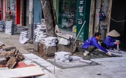 Cận cảnh vỉa hè quận trung tâm Hà Nội lát kiểu 'xôi đỗ'