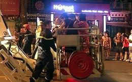 Cháy lớn trên phố Trần Hưng Đạo, cứu sống 5 người mắc kẹt