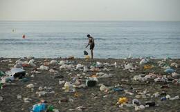 Tìm ra vi khuẩn có thể ăn rác thải nhựa - phát hiện mới cứu nguy thế giới
