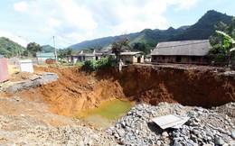 Cận cảnh những 'hố tử thần' khổng lồ mới xuất hiện tại Lào Cai