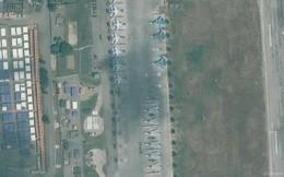 """Ảnh: Hàng loạt chiến đấu cơ Nga """"biến mất"""" khỏi căn cứ không quân ở Syria"""