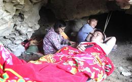 Người dân Nghệ An vác chăn vào hang để ngủ trong những ngày nắng nóng kỉ lục