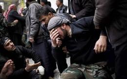 """QĐ Syria đại thắng: FSA tại Daraa đầu hàng - Cưỡng là chết, phiến quân """"giương cờ trắng"""""""