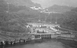 Bí mật lá thư 'chôn' trong khối bê tông 10 tấn gửi hậu thế ở Thủy điện Hòa Bình