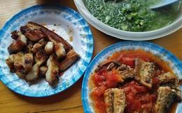 Vợ trẻ bóc mẽ chồng vô tâm, vợ vừa chăm con vừa nấu ăn mà vẫn chê, ai dè chị em chỉ để ý chi tiết này