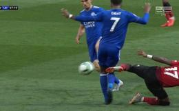 Ra mắt Man United, tân binh Brazil gây tranh cãi vì pha vào bóng thô bạo