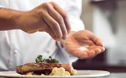 Ăn mặn gây tăng huyết áp: Chuyên gia bày cách bớt muối trong bữa ăn hàng ngày