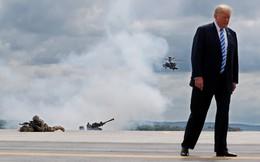 24h qua ảnh: Tổng thống Donald Trump trực tiếp xem quân đội Mỹ tập trận