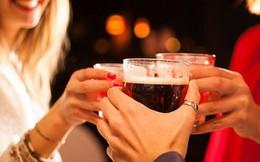 Điều gì xảy ra khi uống rượu pha với nước tăng lực?
