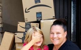 Con gái giấu mẹ mua đồ chơi hết hơn 8 triệu, phản ứng của bà mẹ khiến dân tình khen nức nở