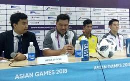 HLV U23 Thái Lan cúi mặt xin lỗi người hâm mộ trong nỗi thất vọng vô bờ