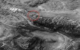 """Phát hiện """"cơ sở bí mật"""" của người ngoài hành tinh trên sao Hỏa"""