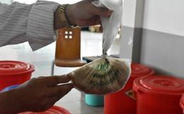 """Bên trong quán cơm tấm nổi tiếng bị phát hiện sử dụng nguyên liệu """"lạ"""" ở Sài Gòn"""