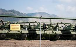 Điều đáng ngạc nhiên khi Nga huy động số lượng lớn xe tăng T-62 và T-72 tập trận