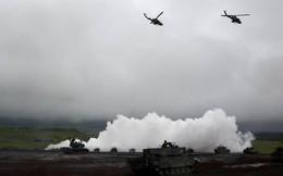24h qua ảnh: Quân đội Nhật Bản tập trận quy mô lớn gần núi Phú Sĩ