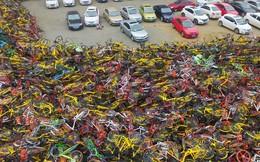"""Choáng ngợp với những tấm ảnh chụp từ trên không của các """"nghĩa địa xe đạp"""" tại Trung Quốc"""