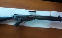 Trộm đánh cắp hơn 40 khẩu súng trường quân dụng, thay bằng súng đồ chơi