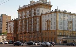 """Mỹ """"đau đớn"""" phát hiện nữ điệp viên Nga làm việc ở Đại sứ quán suốt 10 năm"""