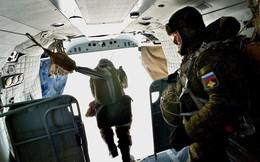 Nam-nữ quân nhân trong lực lượng đổ bộ đường không Nga so tài