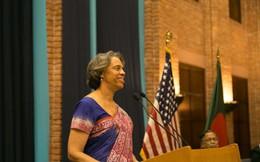 Xe chở Đại sứ Mỹ tại Bangladesh bị rượt đuổi, ném gạch