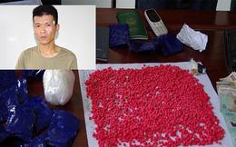 Vị khách đi nhờ ô tô vận chuyển hơn 3.000 viên ma túy tổng hợp