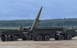 """""""Sát thủ"""" Iskander Nga gây khiếp đảm Mỹ-NATO cả trên mặt đất và biển"""