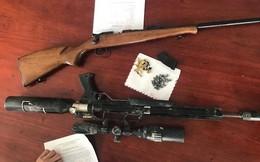 Sang hàng xóm cầm súng hơi chơi, bé 19 tháng tuổi bị trúng đạn vào ngực