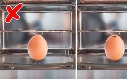Luộc trứng trong lò vi sóng siêu nhanh và gọn nhưng đầu bếp chuyên nghiệp khuyên bạn phải làm 1 thao tác nhỏ này để đảm bảo an toàn