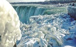 """Bí ẩn về thác nước đóng băng được mệnh danh là """"nữ hoàng băng giá"""""""