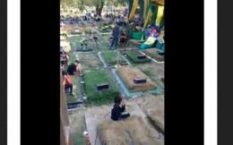 Ban nhạc Indonesia biểu diễn giữa nghĩa trang gây tranh cãi