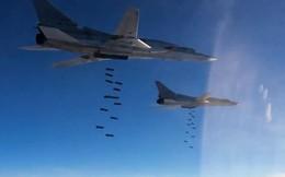 """Nga: 10 máy bay ném bom Tu-22M3 đồng loạt không kích """"sân bay kẻ thù"""""""