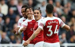 """""""Trọng pháo"""" nhả đạn, Arsenal nối dài mạch thắng để trở lại đường đua"""