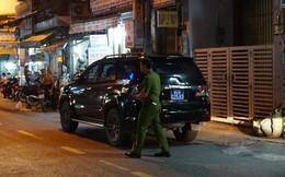 Cảnh sát khám xét nơi ở cựu Phó Chủ tịch TP HCM và nhiều người vừa bị khởi tố