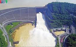 15h chiều nay, hồ thủy điện Hòa Bình mở cửa xả đáy điều tiết hồ chứa