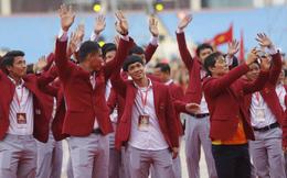 Giữa lễ mừng công, HLV Park Hang-seo hứa chinh phục AFF Cup