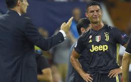 Cựu trọng tài có tiếng tại Premier League bênh vực Ronaldo