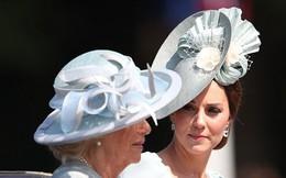 """Không chỉ cấm bà Camilla lại gần con mình, Công nương Kate còn """"cao tay"""" khiến mẹ chồng nổi trận lôi đình vì một loạt hành động này"""