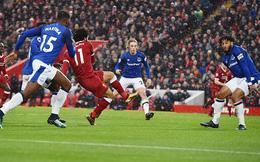 """Cả thế giới ngỡ ngàng vì bàn thắng """"tầm thường"""" của Salah giành giải Pukas"""