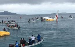 Máy bay rơi xuống biển, tàu cao tốc ùa ra cứu toàn bộ khách