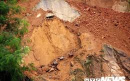 Ảnh: Hàng ngàn mét khối đất đá từ trên núi dội xuống trong đêm ở Hải Phòng