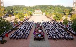 Học sinh cả nước tựu trường trong tiết trời nắng đẹp
