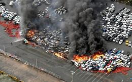 Siêu bão mạnh nhất 1/4 thế kỷ của Nhật: Hàng trăm ô tô cháy ngùn ngụt trong biển lửa